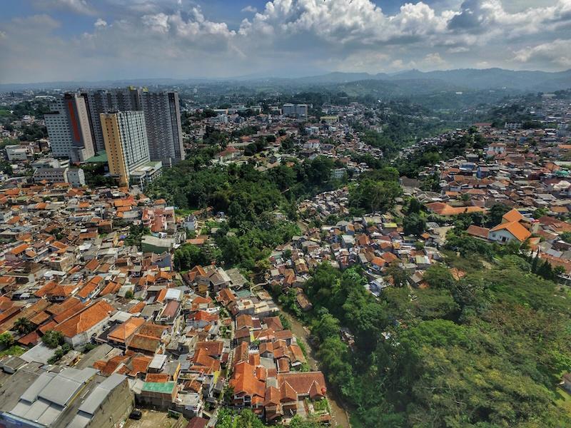 Bandung (Nyugat-Jáva központja)