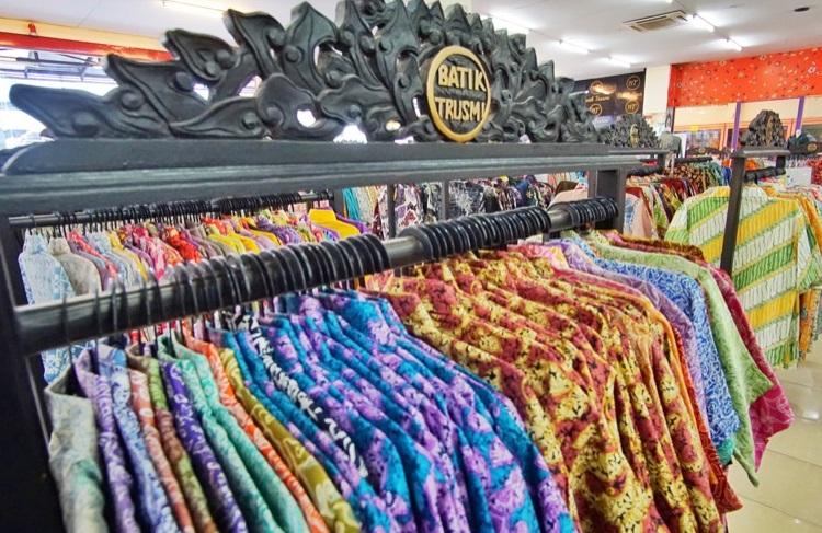 Ciberoni batikolt ruhák