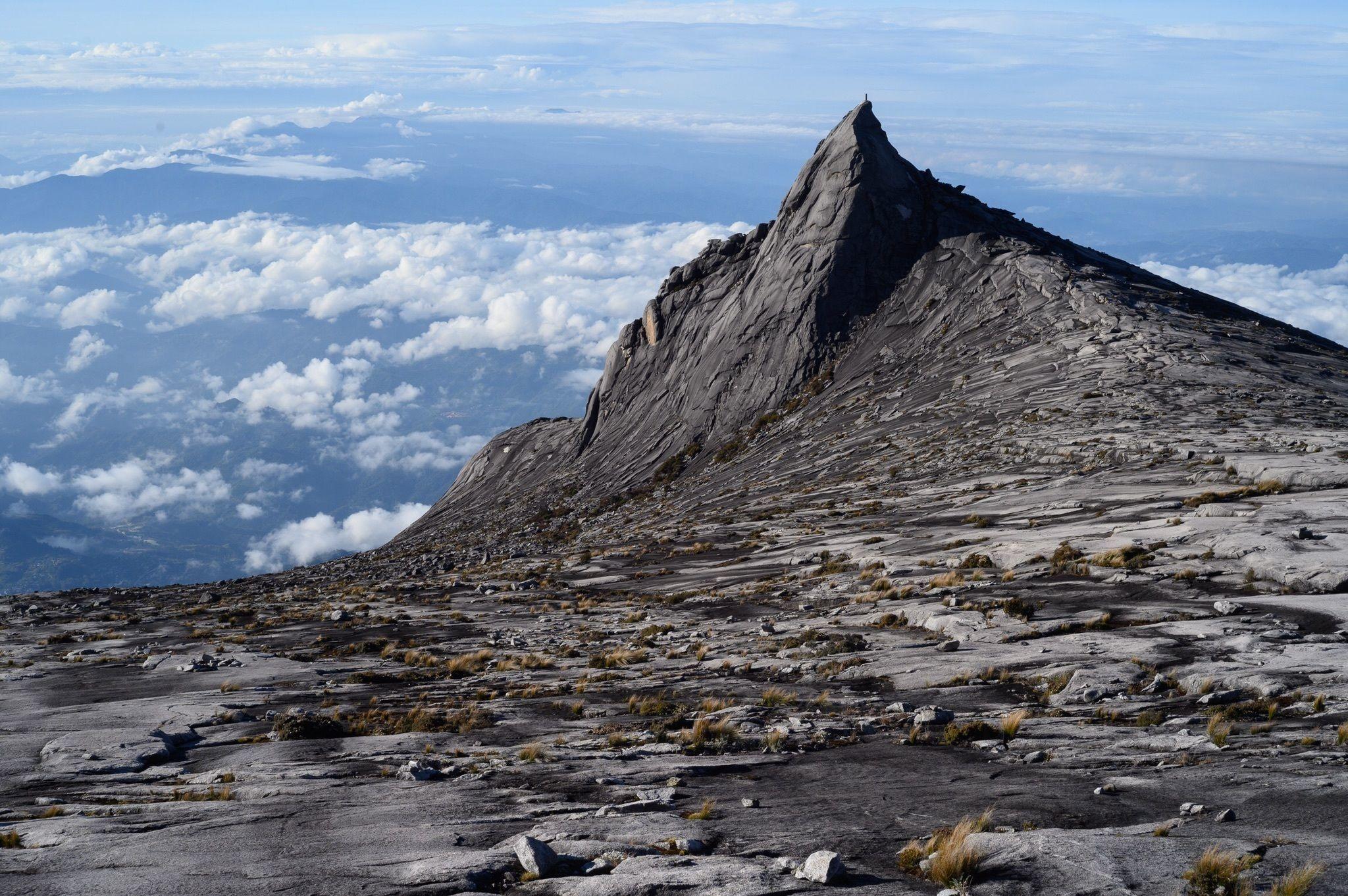 Mount Kinabalu (Malajzia), Borneó legmagasabb csúcsa