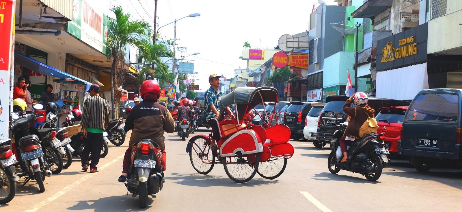 Solo-Surakarta nyüzsgő belvárosa