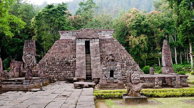 Sukuh-templom