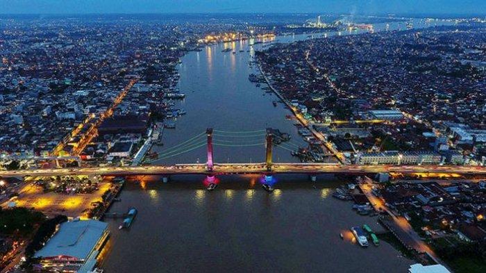 Palembang a Musi folyóval és az Ampera híddal